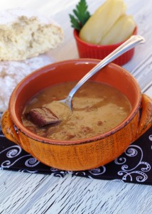 Bosnian bean soup {Grah}