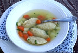 Chicken soup with farina dumplings