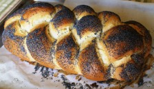 Poppy seed challah bread