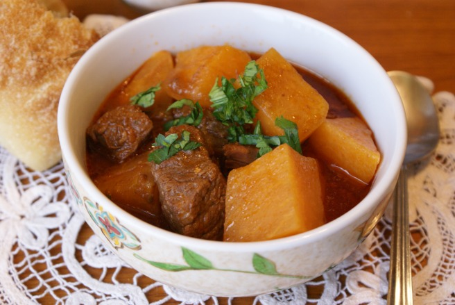 Beef stew with rutabaga